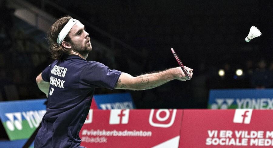 I den tredje singlekamp mod Israel bragte han Danmarks herrer på samlet 3-0 med en sejr på 21-4, 21-12 over Maxim Grinblat, der rangerer som nummer 1154 på verdensranglisten.