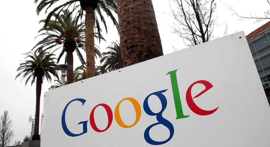 Googles tjeneste til at lagre dokumenter online, Google Drive, eller Google Drev, som den hedder på dansk, hoster og harker i øjeblikket.