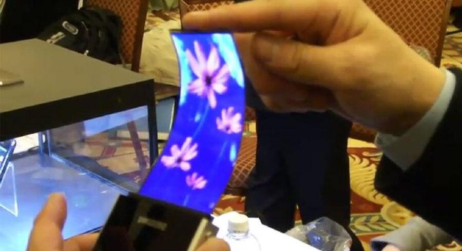 Samsung er i fuld gang med at få AMOLED-skærme klar til mobiltelefoner og tavlecomputere - allerede til næste år.