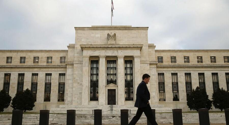 Den amerikanske centralbank, Federal Reserve, forventes at hæve renten for første gang i ni år i forbindelse med rentemødet, idet USA's økonomi er i god form og derfor ikke behøver så meget støtte som tidligere.