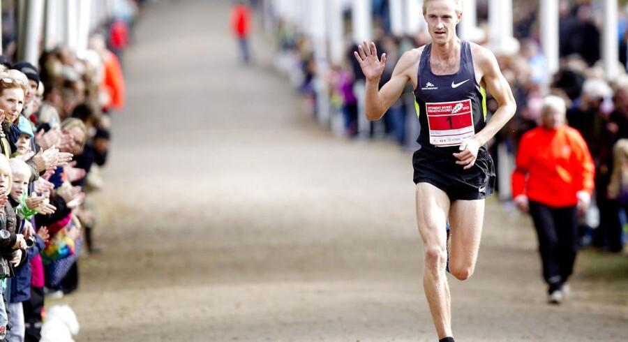 Morten Munkholm, der her vinder Eremitageløbet 2012, vinker farvel til livet som topløber i en alder af 28. Det sker kort efter, at han er blevet tvillingefar.