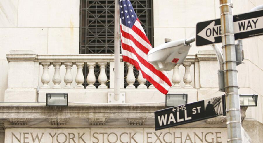Fremrykningen af kvartalsregnskaberne fra to af USAs store banker, Bank of America og Citigoup, sendte chokbølger gennem hele branchen i går, da resultaterne var værre end ventet. En ny bankpakke blev aktiveret, men branchen har brug for mere kapital, hvis den ikke skal ende i en blindgyde.