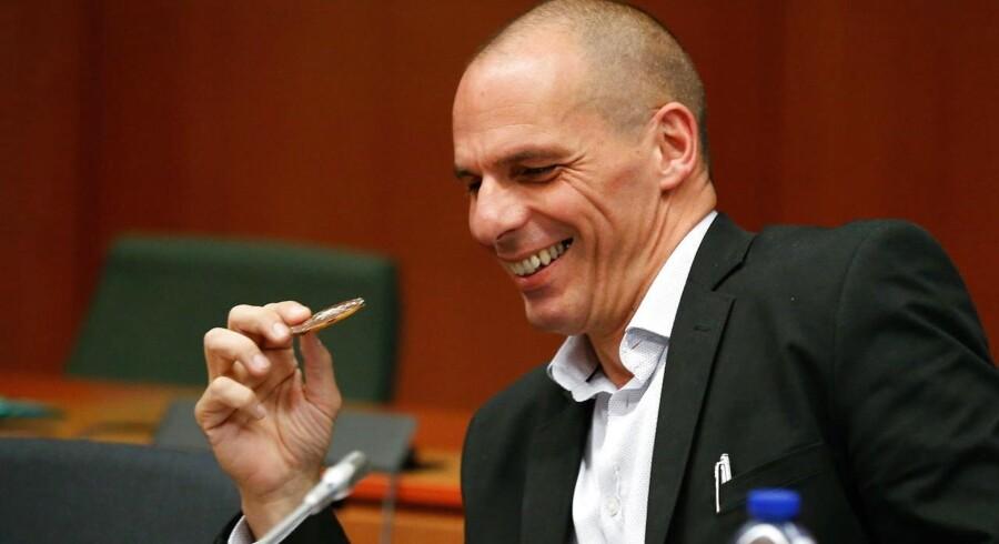 den græske finansminister Yanis Varoufakis sidder igen ved forhandlingsbordet