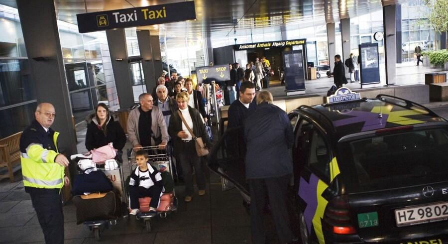 Nogle taxichauffører i lufthavnen i Kastrup afviser kunder, hvis de synes, turen er for kort.