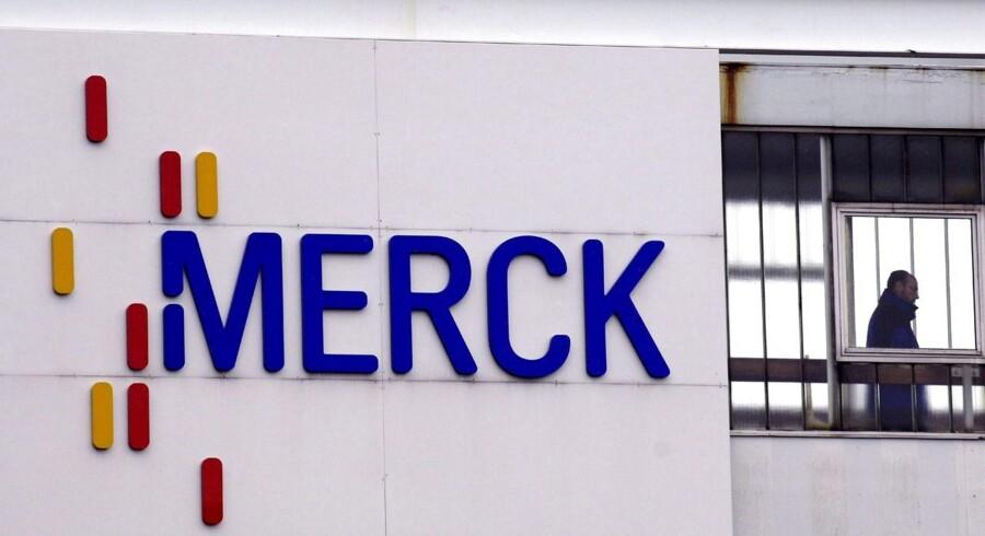 Den amerikanske medicigigant Merck sælger sin forbruger-division til den tyske medicinal- og kemikoncern Bayer