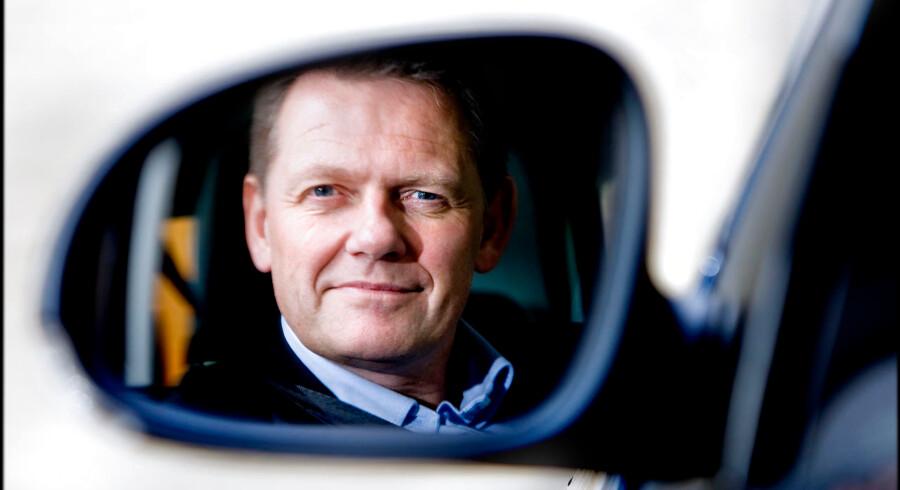 Lars Barfoed, der er født i 1957 kan se tilbage på en lang karriere i dansk politik. De politiske barnesko blev trådt i Rødovre, kommunen, hvor han voksede op, gik på Hendriksholms Skole og repræsenterede De konservative i kommunalbestyrelsen fra 1978 til 1985, hvor han flyttede fra kommunen. Billedet er fra 2008 og taget i forbindense med en artikel om den daværende transportministers bil, en Golf GTI.