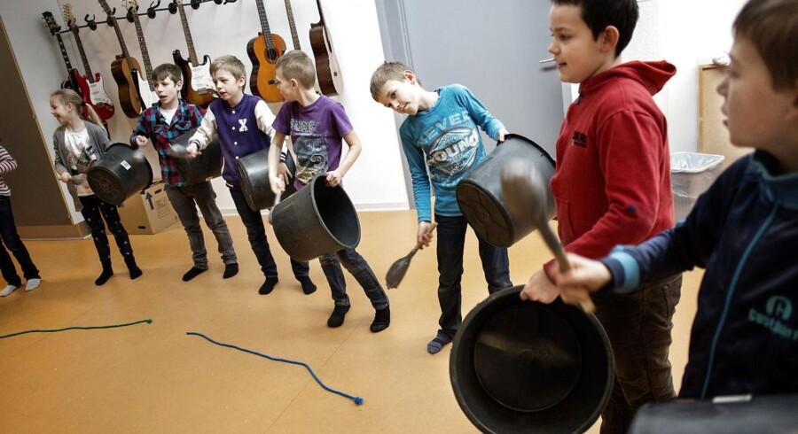 Selvom et stort flertal af danskerne mener, der skal være et større samarbejde mellem det lokale musik-, idræts- og foreningsliv, må det ikke blive sådan, at de frivillige overtager de professionelles arbejde, mener BUPL.