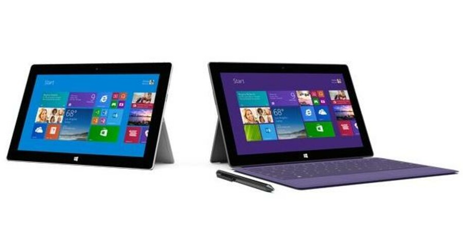 På overfladen ligner de to nye Surface 2-modeller hinanden. Begge kan stå og klikke et magnetisk tastatur på. Surface 2 Pro-modellen til højre har dog en digital pen og er en del tykkere og tungere, og så kører den den fulde udgave af Windows 8 mod Windows 8 RT på den lettere Surface 2 til venstre. Foto: Microsoft