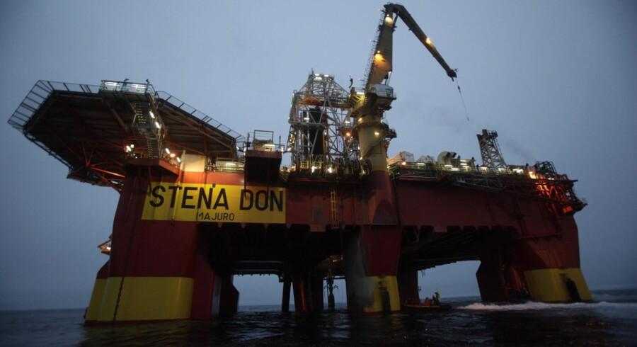 Skotske Cairn Energy brugte i 2010-11 brugte 6,7 milliarder kr. på otte prøveboringer i Baffinbugten nordvest er blandt de selskaber, der sammen med Maersk Oil har licens til at bore i området. Kun en enkelt boring viste spor af olie, men den gav ingen mulighed for kommerciel udnyttelse. Arkivfoto: Will Rose/Reuters/Greenpeace