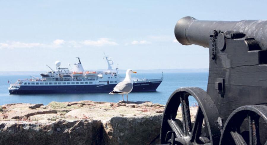 På øhoppet rundt i de danske farvande med krydstogtsskibet Clipper Adventurerer besøger man blandt andet de gamle fæstningsøer Christiansø og Frederiksø i Østersøen.
