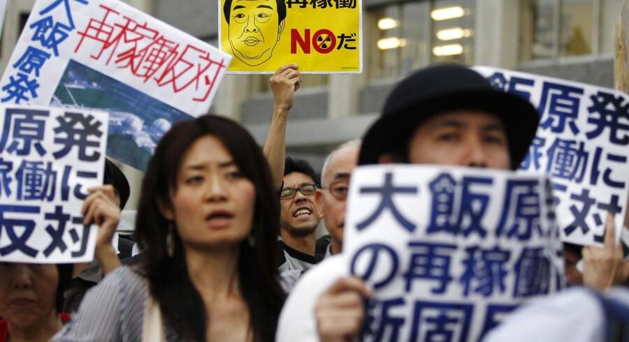 Japanerne protesterer over planerne om at fortsætte med atomkraft i Japan.