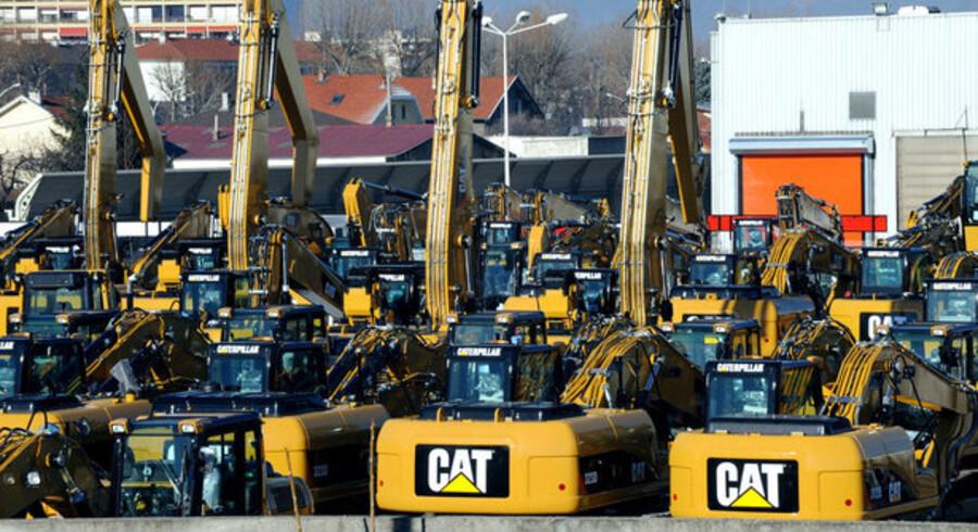Caterpillar, verdens største producent af bulldozere og andre specialkøretøjer, vil fyre næsten hver femte ansatte.