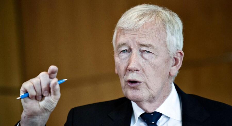 Finansrådets redegørelse om den uforklarligt høje danske CIBOR-rente fejes af banen af Bernstein.