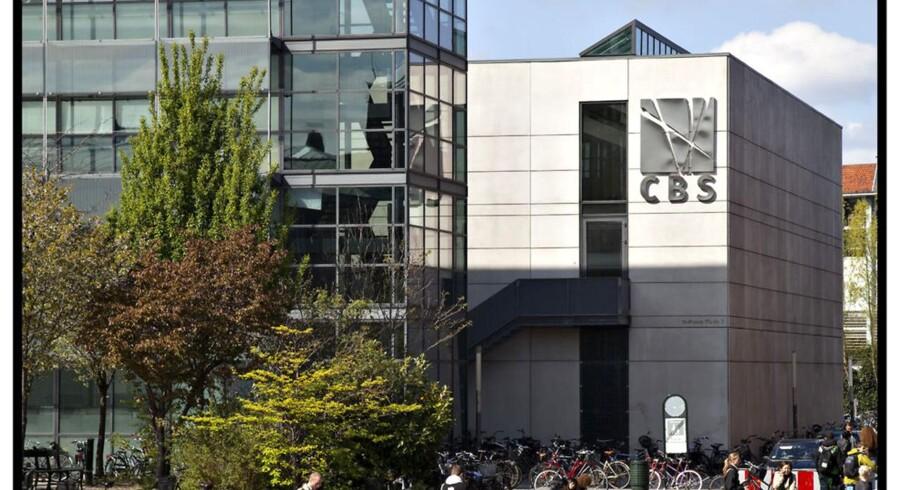 Til næste år vil de unge udelukkende kunne søge studiepladser over nettet til blandt andet CBS og andre uddannelses institutioner. Arkivfoto.