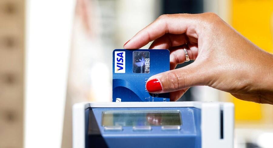Forbrugerpriserne stiger kun marginalt i oktober, hvilket kan være med til at øge forbruget.