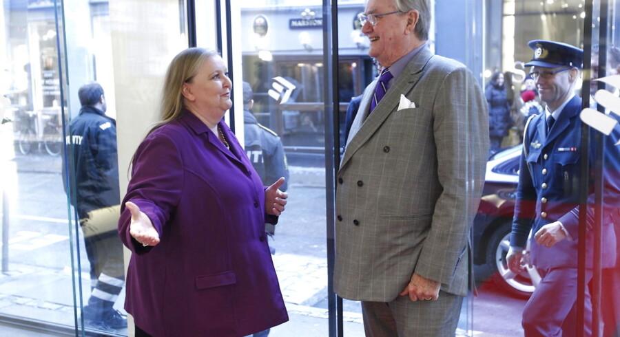 Prinsgemalen modtog torsdag Den Berlingske Fonds hæderspris. Han blev budt velkommen af ansvarshavende chefredaktør Lisbeth Knudsen