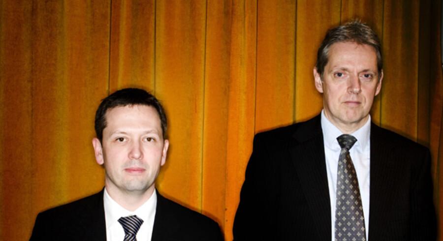 Cheføkonomerne Steen Bocian (tv) og Helge Pedersen er skiftevis blevet beskyldt for at være for optimistiske og for pessimistiske.