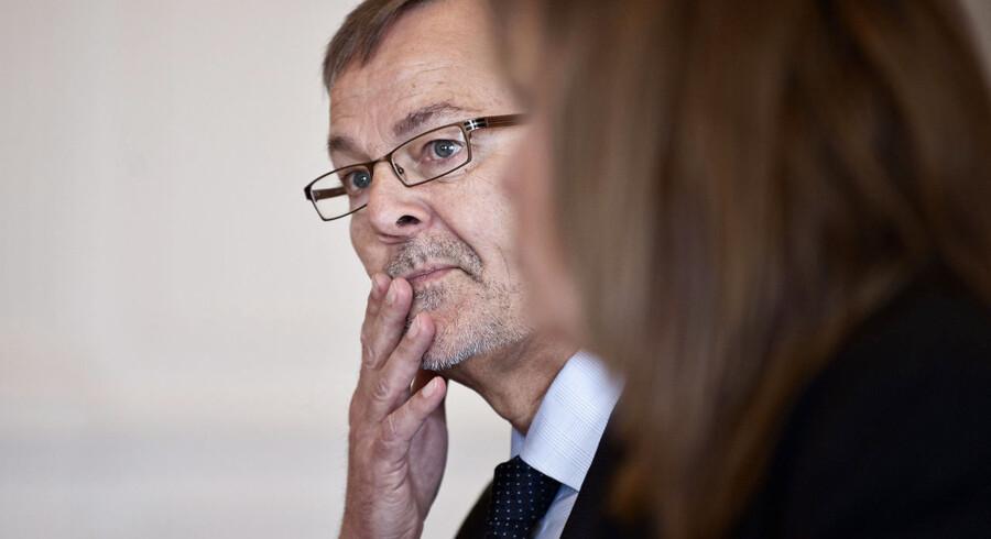 Erhvervs- og vækstminister Ole Sohn (SF) brænder stadig inde med ubesvarede spørgsmål.