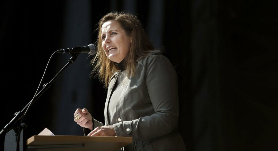 Pia Olsen Dyhr (SF) under sin 1. maj-tale i Fælledparken.