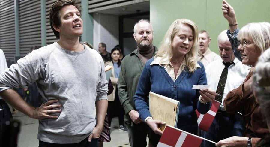 Filminstruktør Thomas Vinterberg (til venstre) indfrier længslen efter fællesskabet sammen med Trine Dyrholm (til højre) på settet af »Kollektivet«.