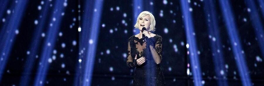 Under Sveriges repræsentant i Melodi Grand Prix Sanna Nielsens prøve skete der en fejl med lyset. En af lyskeglerne, som på billedet er lodrette, lyste pludseligt vandret. Det har nu fået svenskerne til at klage.