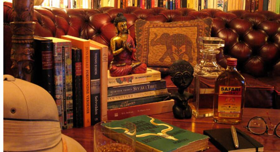Nogle af bøgerne kan du stadig finde hos boghandleren, andre må du på nettet efter, mens du for en dels vedkommende må iføre dig tropehjelmen og gå på opdagelse i aktivariaterne.