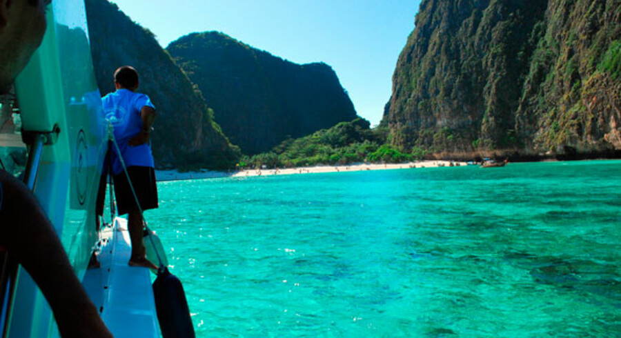 Båd - og kanoture er uden tvivl en smuk måde at opleve det krystalklare vand, der er kendetegnede for Thailand.
