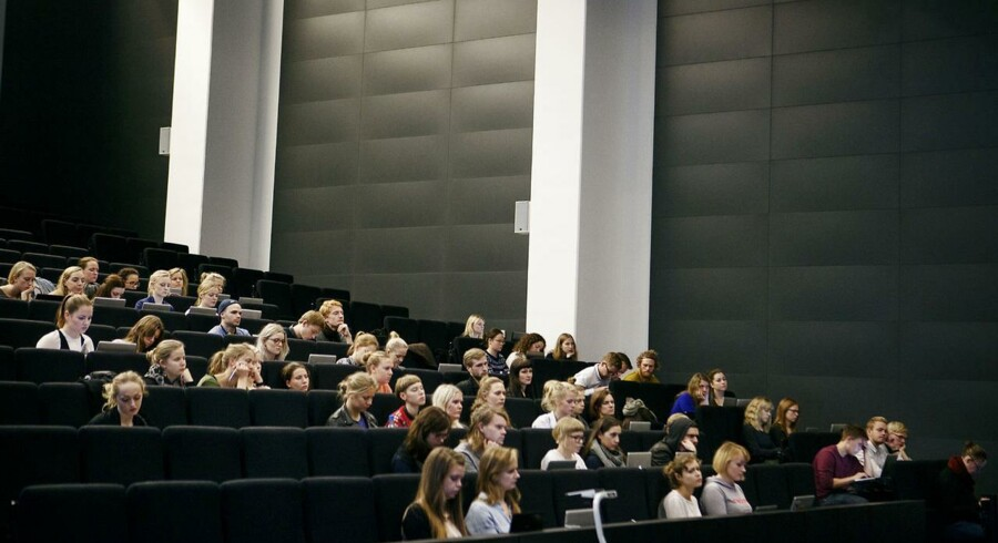 Flere akademikere vender blikket mod en tilværelse som selvstændig efter endt uddannelse. Her en forelæsning tidligere i år i dansk på Institut for nordiske studier og sprogvidenskab, Københavns Universitet Amager.