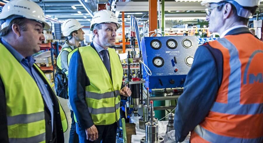 Udenrigsminister Martin Lidegaard mødes med Dansk Metal-formand Claus Jensen på MAN Diesel & Turbo.