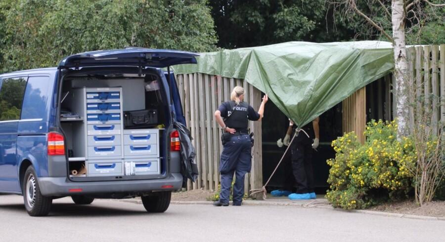 Polioti på stedet hvor et Hittebarn blev fundet ved containere ved varmecentralen Baltorpvej 237 Ballerup.