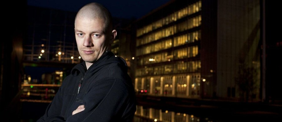 Licens-Lars, Rebel-betjent, Hash-Lars og Racisme-Lars. Lars Kragh Andersen, som netop er blevet anholdt for læk af prominente politikeres CPR-numre, har gennem årene fået tildelt mange fængende øgenavne af pressen.