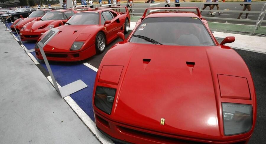 I sidste måned arresterede politiet i Venedig en 44-årig mandlig bilist i en Ferrari F40 for manglende skattebetalinger på 8 mio. euro (ca. 59,5 mio. kroner) siden 2006.