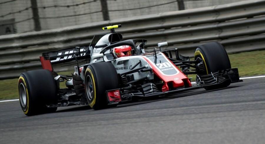 Kevin Magnussen (Haas) viser storform for tiden og satte syvendebedste tid ved første Formel 1-træning i Kina.