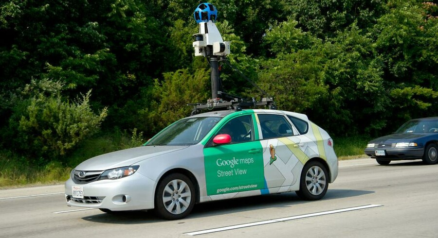 Googles fotovogne tog ikke bare billeder i 360 grader, da de rullede omkring i Danmark. De aflyttede også private, trådløse net, som ikke var sikret. Arkivfoto: Karen Bleier, AFP/Scanpix