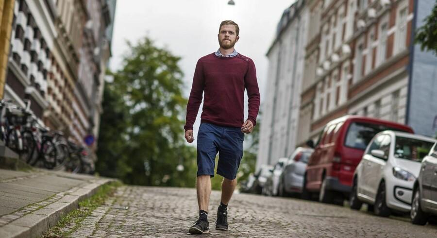 26-årige Mads Larsen fra Aarhus har handlet tyske aktier med høj risiko og tjent gode penge. Men han medgiver, at der er et element af gambling over det.