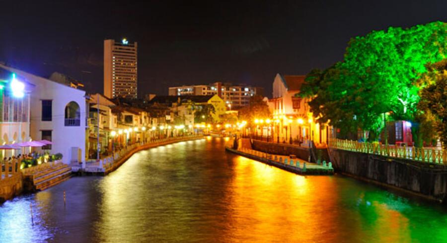 Et besøg i Melaka indeholder for de fleste en sejltur på floden. Eventuelt efterfulgt af et besøg på en af de restauranter, der er dukket op langs dens bredder.