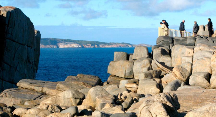 Den støvede mini-by ligger tæt ved West Australias sydligste punkt, og ved kysten er der fine vandrestier. Enkelte gamle træer har fået lov at stå.