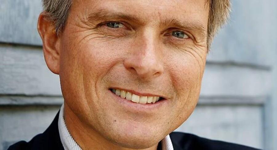 Kim Valentin er kendt for sit arbejde som økonomisk rådgiver hos Finanshuset, hvor han har arbejdet inden han blev borgmester i Gribskov Kommune. Han skriver også en privatøkonomisk blog på Business.dk.