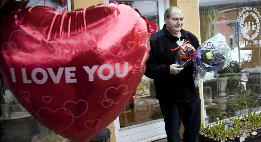 Om Valentinsdag er skabt af detailhandlen eller ej - så tjener de i hvert fald styrtende på den.
