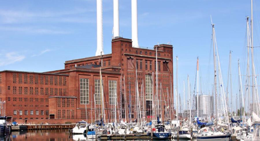 Svanemølleværket i Københavns Nordhavn var tidligere et kulfyret kraftvarmeværk, men blev i 1985 ombygget til naturgas - og oliefyring. I dag fremstår værket som et moderne kraftvarmeværk, hvis primære opgave er at levere fjernvarme til det storkøbenhavnske fjernvarmenet.