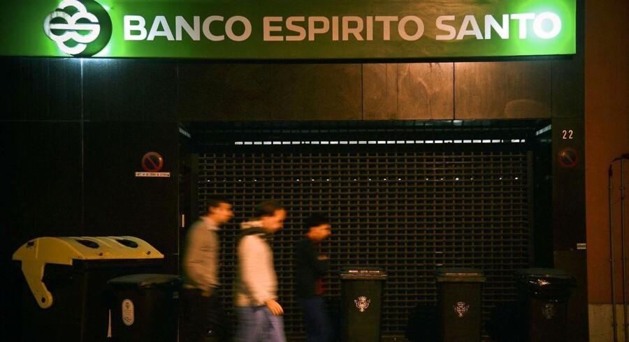 Foto af BES (Espirito Santo Bank) hovedkvarter i Lisbon d. 3. August, 2014.