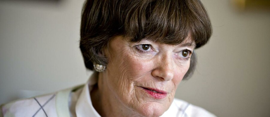 - Jeg har konstant smerter, fortæller Jane Aamund til BT.Den 77-årige forfatter vil have aktiv dødshjælp for sine smerter, der stammer fra intensiv strålebehandling for cancer i ganen. Hun beder nu politikerne indføre lovgivning i Danmark om aktiv dødshjælp