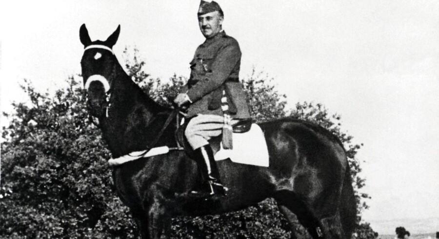 Tirsdag er det 75 år siden Den Spanske Borgerkrig sluttede og general Franco overtog magten. For spanierne fulgte herefter over 40 års fascistisk styre. Se de historiske billeder her.