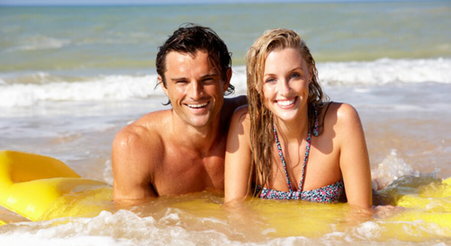 Til spørgsmålet om den bedste ferie i sol og varme svarer 42 pct. af forældrene stranden.