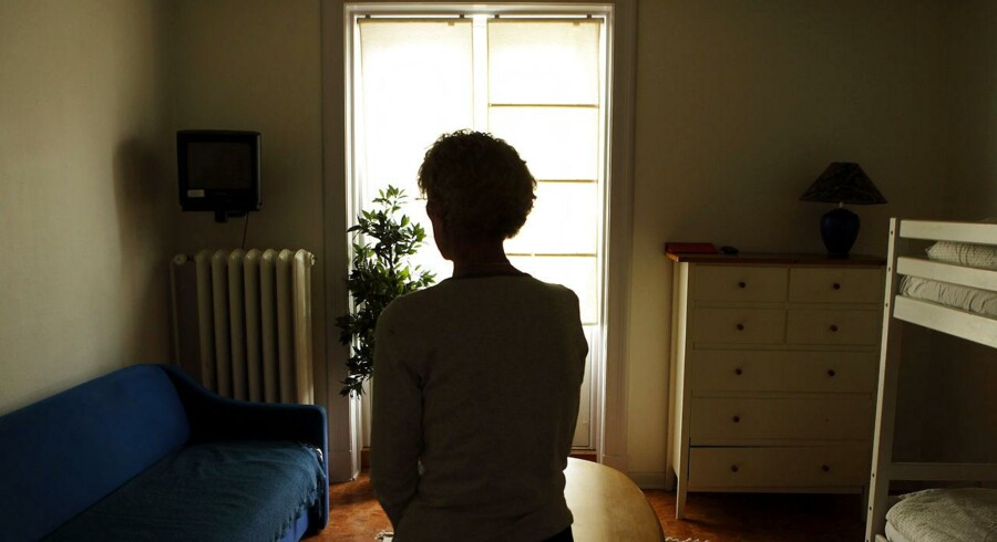 Kun halvdelen af de voldsramte kvinder, der i 2011 søgte om ophold på et krisecenter, fik en plads.