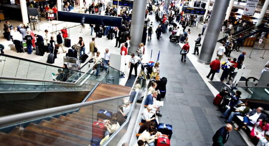 Den særlige aftale med moderselskabet gør, at Køebnahvsn Lufthavne er nød til at låne penge til investeringer på trods af et godt årligt udbytte.