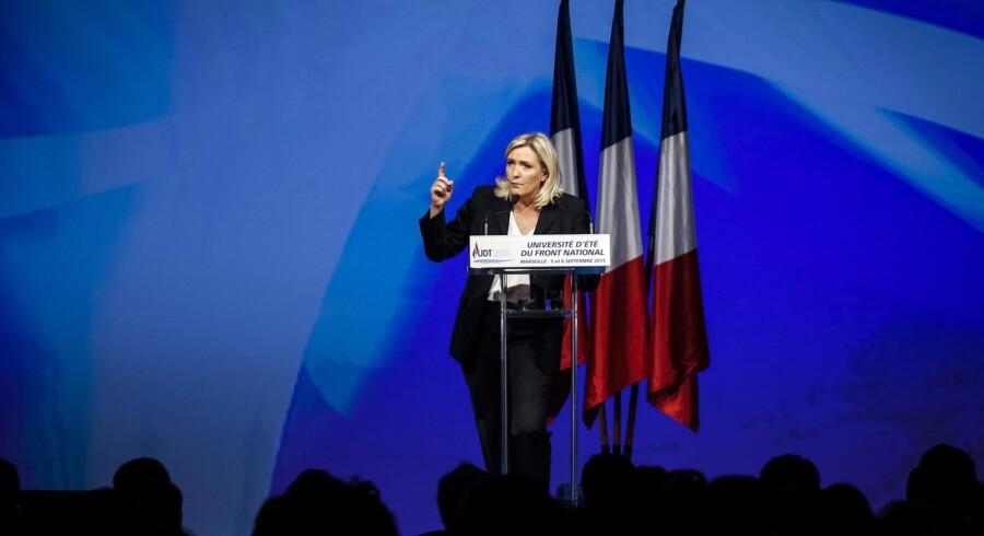 »Det er desværre langt fra første gang, vi forsøger at skaffe ørenlyd for antiterrortiltag, der efter vores mening burde være gennemført for længst. Men regeringen ville ikke høre efter,« sagde Marine Le Pen forrige søndag. Arikvfoto: Arnold Jerocki