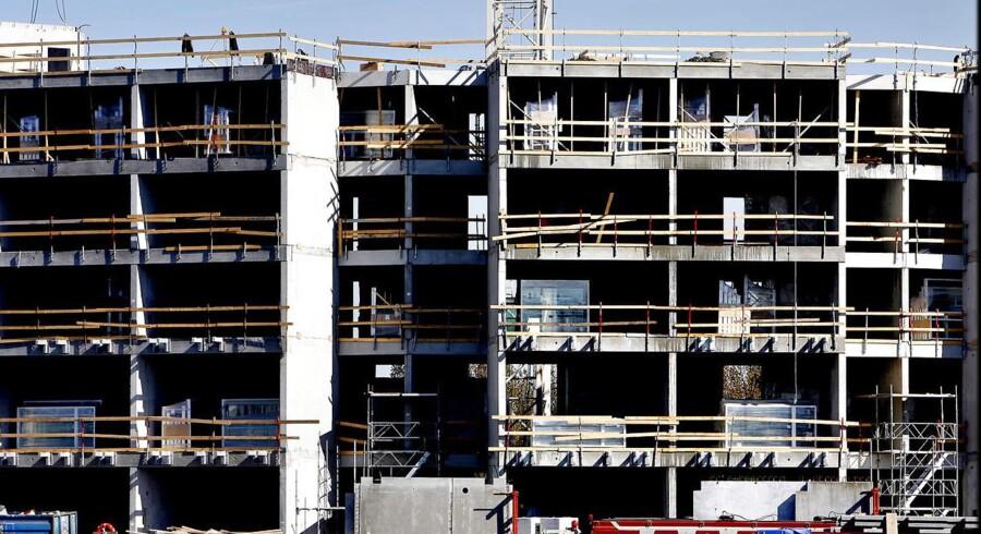 Københavns Kommune vil kunne presse prisen op på det københavnske boligmarked. Her nybyggeri af lejlighedskompleks på Teglholmen i Københavns Sydhavn.