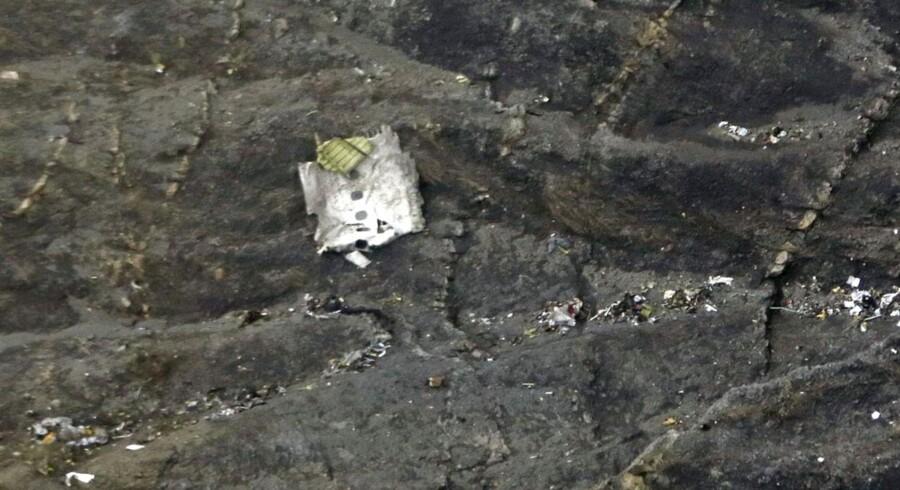 24. marts 2015: Et fly på vej fra Barcelona til Düsseldorf er forulykket over de franske alper. 148 mennesker frygtes omkommet.