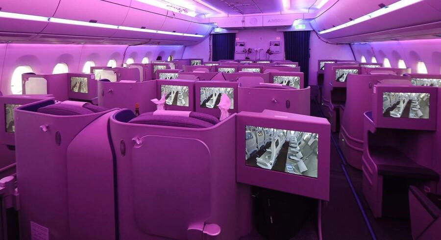 Flypassagerer vil i fremtiden kunne bade sig i forskellige farvenuancer og dermed skrue ned for jetlag.